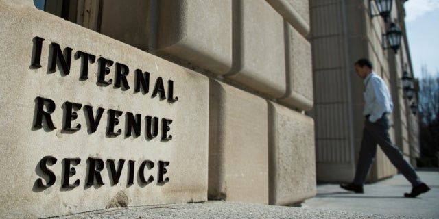 irs-stimulus-scams