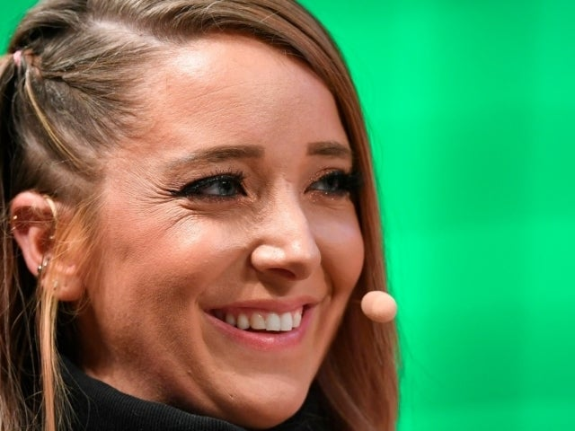 YouTube Star Jenna Marbles Apologizes Over Past Offensive Videos in Emotional Message to Fans