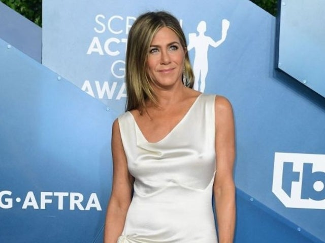 Jennifer Aniston Encourages Her Followers to Wear Face Masks: 'It Really Shouldn't Be a Debate'