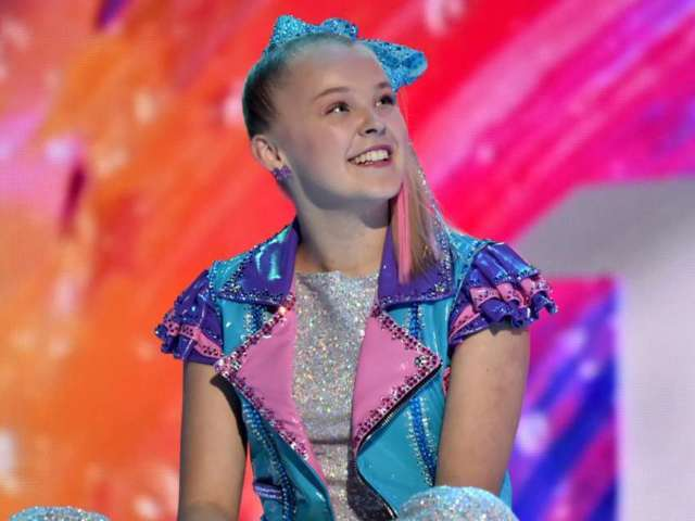 JoJo Siwa Shares First Photos With Her Girlfriend on 1-Month Anniversary