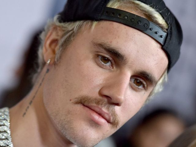 Justin Bieber Sexual Assault Claims Pop up on Twitter