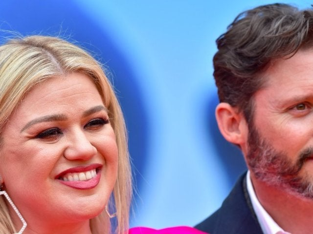 Kelly Clarkson Reportedly Hopes to Keep Divorce From Brandon Blackstock 'Amicable'