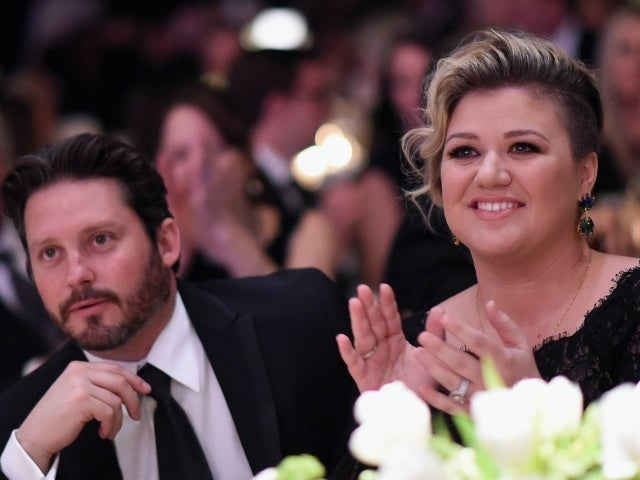 Kelly Clarkson Reportedly Shocked Friends With Divorce From Brandon Blackstock