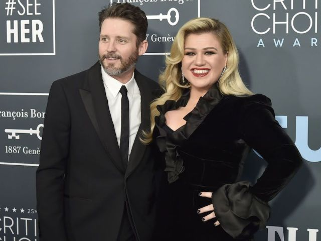 Kelly Clarkson Reportedly Finds Working 'Therapeutic' Following Divorce From Brandon Blackstock