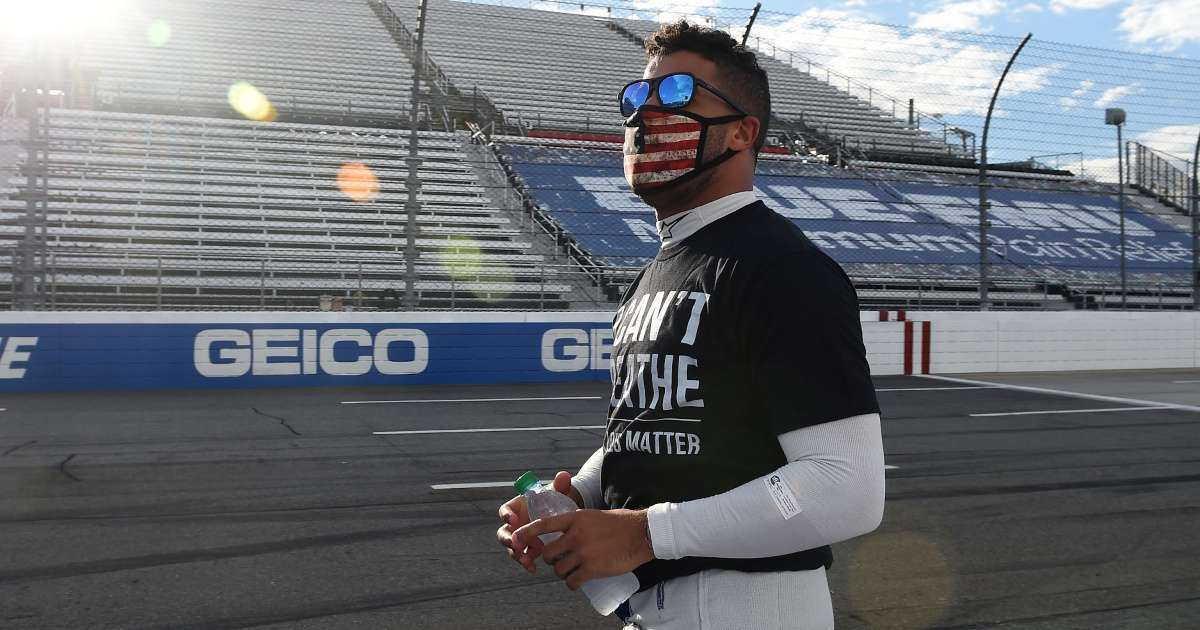NASCAR noose found Bubba Wallace garage social media loses it