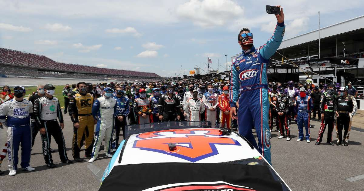 NASCAR releases photo of Noose Bubba Wallace garage Twitter explodes