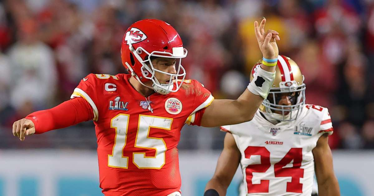 Patrick Mahomes Saquon Barkley NFL stats demand league admit wrongly silencing protesters Colin Kaepernick