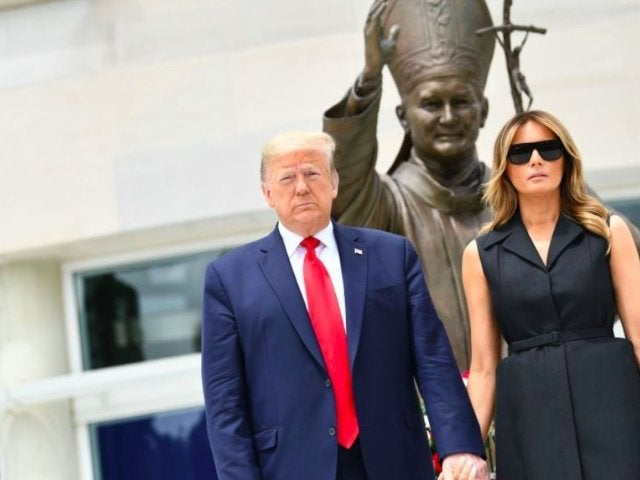Donald Trump Seemingly Tells Wife Melania to Smile During Photo-Op, and She Isn't Happy About It