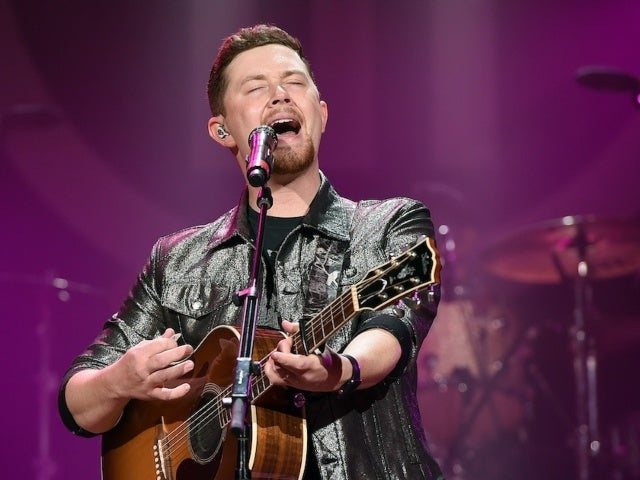 Scotty McCreery Earns Third No. 1 With 'In Between'