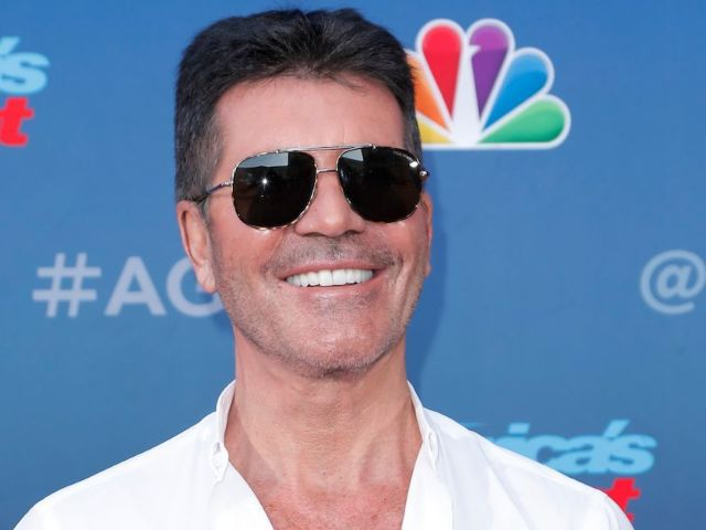 'America's Got Talent' Judge Howie Mandel Gives Update on Simon Cowell Following Biking Accident