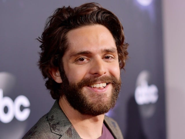 Thomas Rhett Earns 16th No. 1 Single With 'Be a Light'