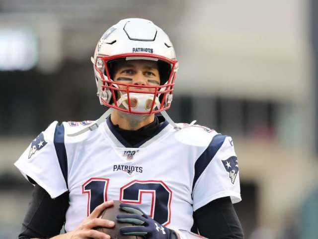 Tom Brady Works out With Buccaneers Teammates Despite Warning From NFLPA