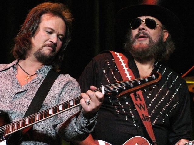 Katherine Williams-Dunning Dead: Travis Tritt Posts Emotional Message Seeking 'Prayers' for Hank Williams, Jr., and Family