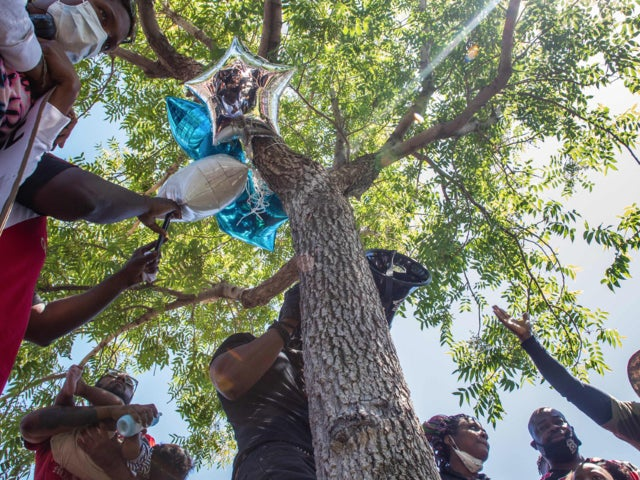 Family of Robert Fuller, Black Man Found Hanging From Tree, Demand Investigation Into Death