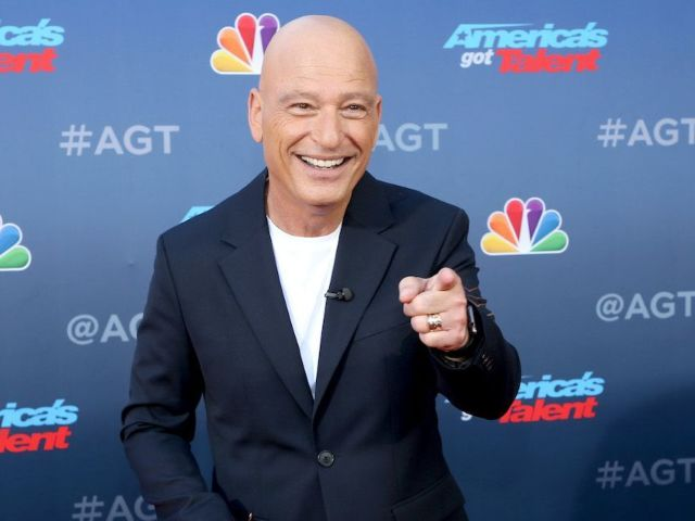 Howie Mandel Speaks out on Kelly Clarkson Replacing Simon Cowell on 'America's Got Talent'