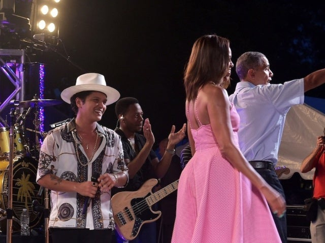 Bruno Mars' 2015 White House Performance Resurfaces After 2020 Concert Features Cover Band