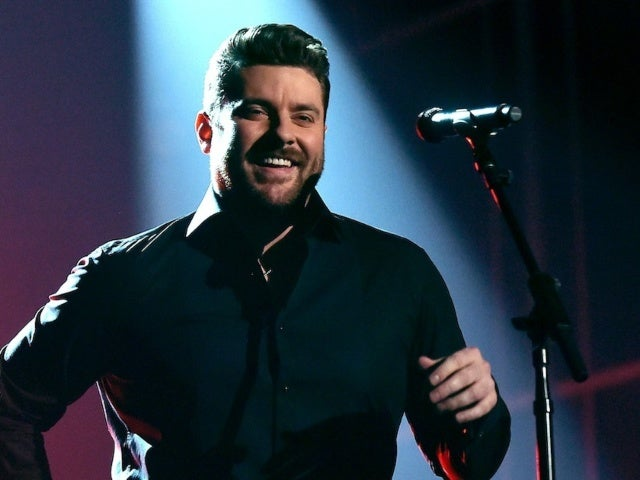 Chris Young Shares Update on 2020 Tour