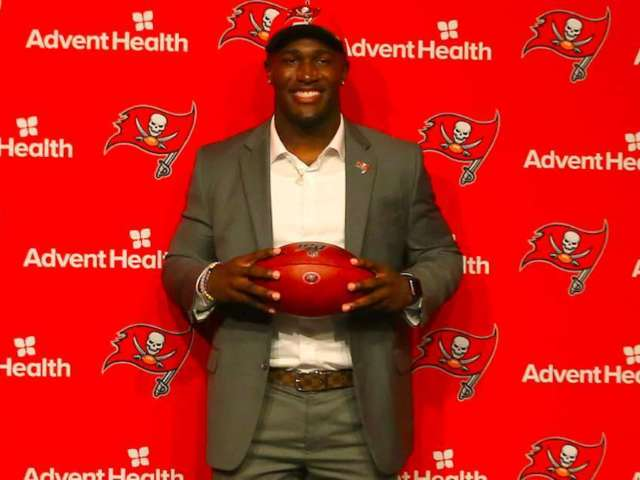 Buccaneers' Devin White Holding 2,000-Person Event Despite Coronavirus Pandemic