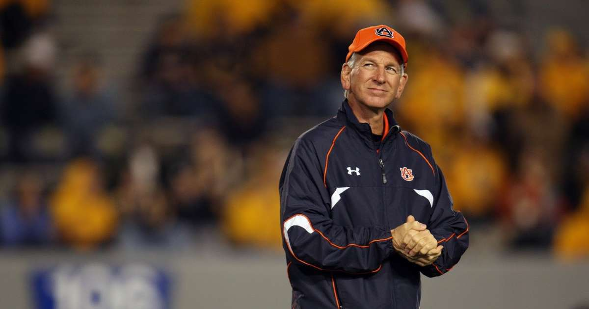 Former Auburn coach Tommy Tuberville wins Alabama GOP senator runoff