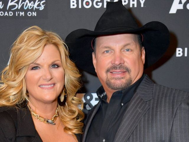 Garth Brooks and Trisha Yearwood Fans Reach out After Their Teams Face Possible COVID-19 Exposure