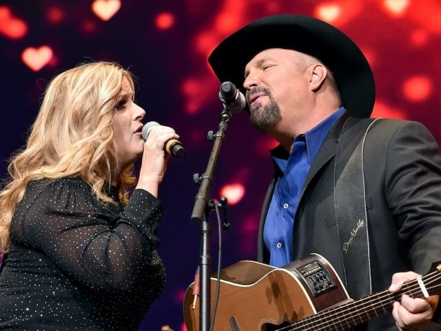 Garth Brooks and Trisha Yearwood Recorded a Studio Version of 'Shallow'