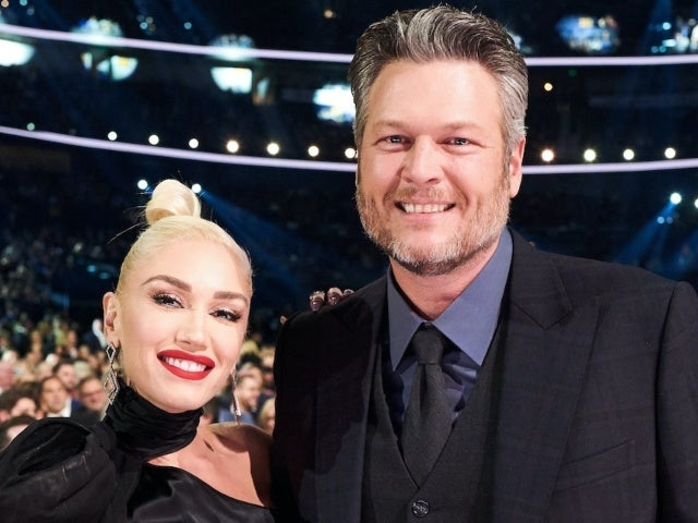 Gwen Stefani Congratulates Blake Shelton on His 'Greatness' After AMAs Win