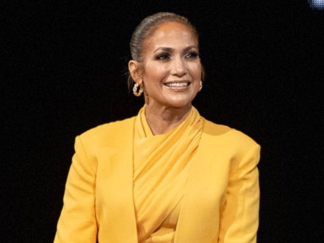 Jennifer Lopez Buys Eco-Friendly Los Angeles Bungalow for $1.4 Million
