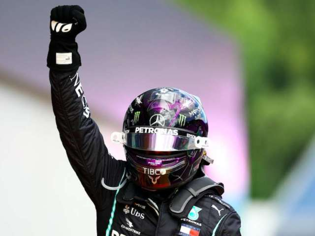 Styrian Grand Prix: Lewis Hamilton Kneels, Raises Fist in Solidarity With Black Lives Matter Movement