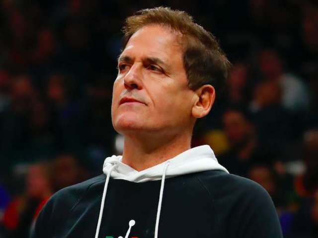 Mark Cuban, Ted Cruz Argue About Politics and Anatomy on Twitter