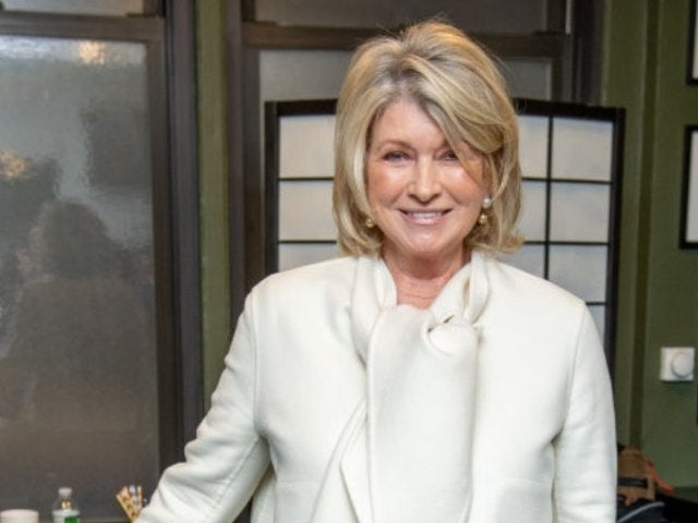 Martha Stewart Claps Back at Chelsea Handler After Comedian Pokes Fun at Sultry Poolside Photo