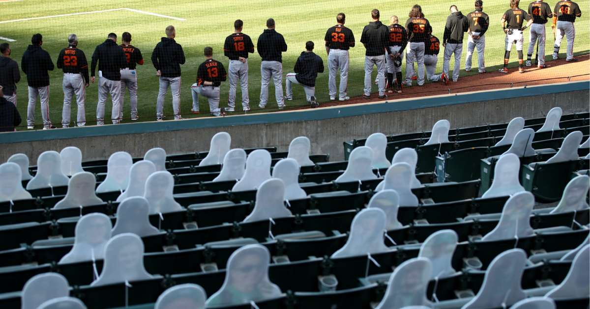 Members San Francisco Giants kneel national anthem