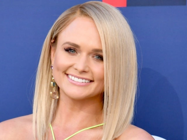 Miranda Lambert Celebrates 'Bluebird's No. 1 With Her Co-Writers
