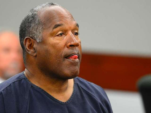 O.J. Simpson Parties With No Face Mask in Crowded Las Vegas Restaurant