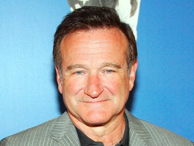 Robin Williams Fans Pay Tribute to Comedian on What Would Be His 69th Birthday