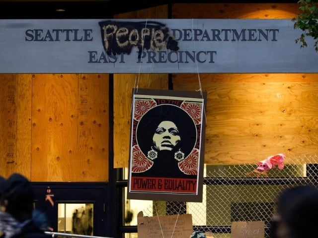 Seattle Police Disperse Demonstrators in Occupied Protest Zone