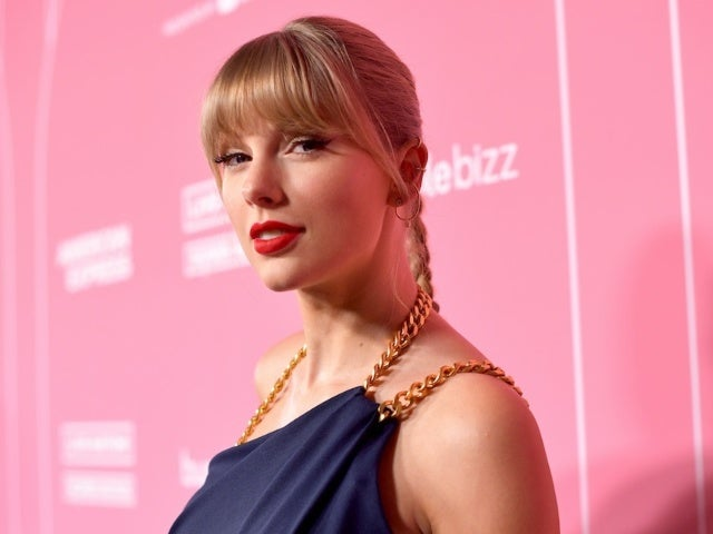 Taylor Swift Shares What She Learned From The Chicks