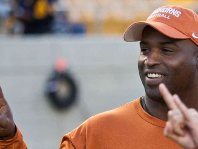 Texas Longhorns to Rename Football Field After Ricky Williams, Earl Campbell