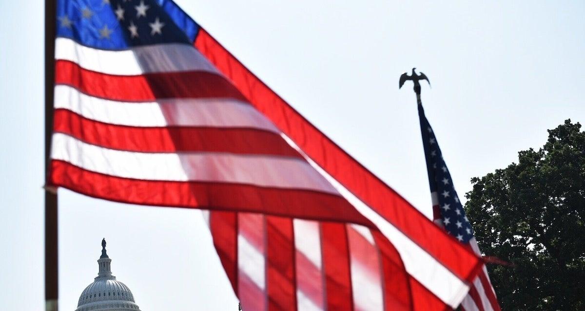 us-flag_getty-MANDEL NGAN : Contributor