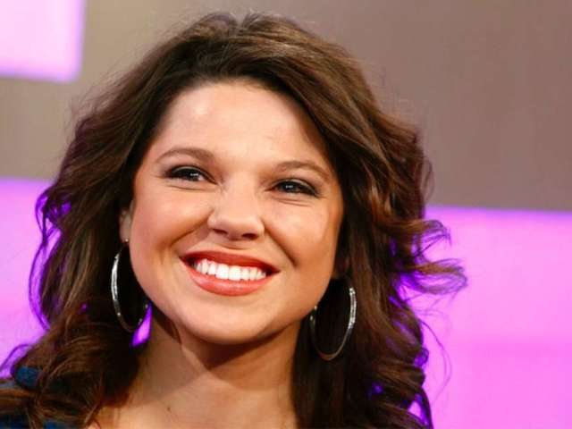 Amy Duggar Seemingly Shades Her 'Counting On' Cousins on Instagram