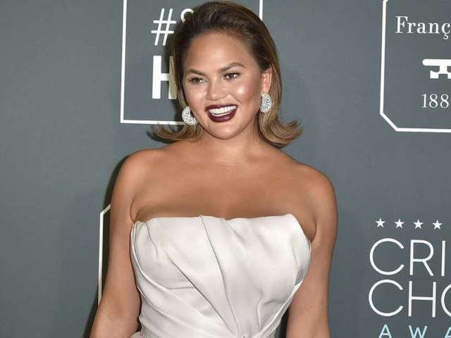 Pregnant Chrissy Teigen Reveals 'Really Scary Morning' Amid Hospitalization, 2 Blood Transfusions