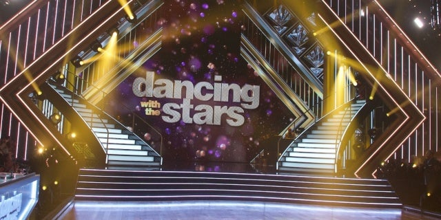 dancing-with-the-stars-stage-abc
