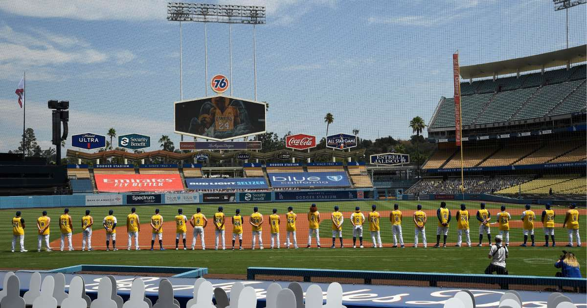 Dodgers players wear Kobe Bryant jerseys 42 birthday
