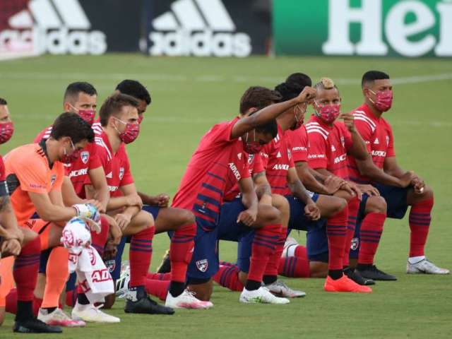 FC Dallas Fans Boo Players for Kneeling During National Anthem