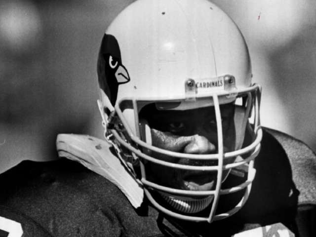 Former Packers, Cardinals Offensive Lineman Tootie Robbins Dead at 62 After Contracting Coronavirus