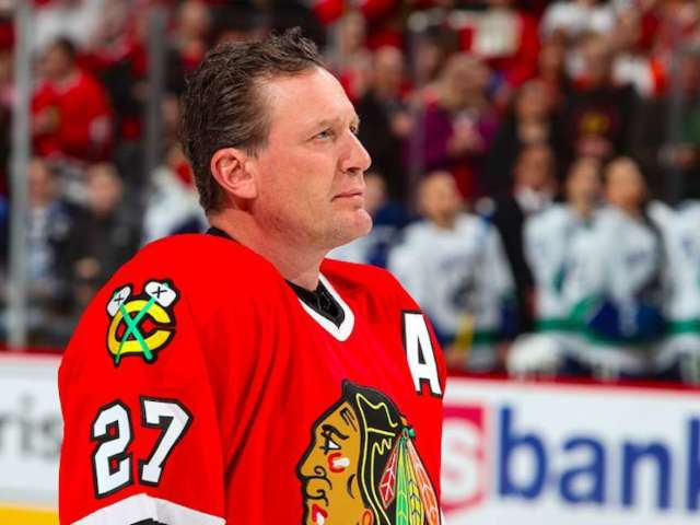 NHL Alum Jeremy Roenick Says 'That Flag Means More to Me' in Response to National Anthem Kneeling