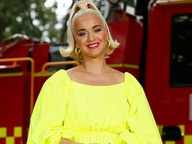 Katy Perry Teases She Will Be 'Delivering 2 Babies' as Due Date Nears