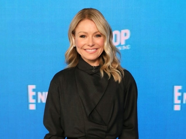 Kelly Ripa Reveals Slight Wardrobe Issue During Solo 'Live' Without Ryan Seacrest: 'Nobody Wants to See That'