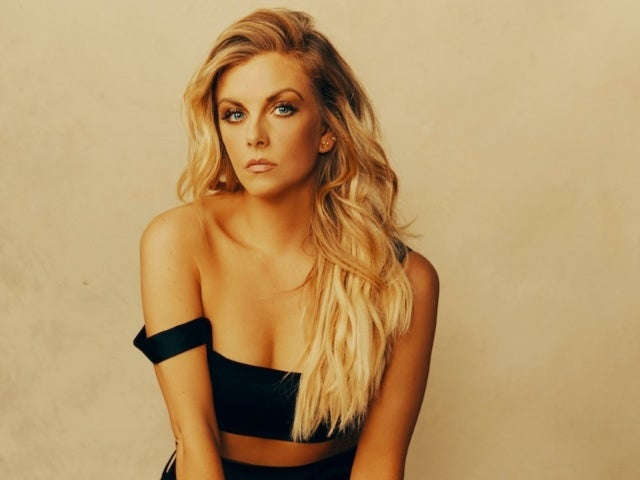 Lindsay Ell Calls New Album 'Heart Theory' the 'Science of a Heart' (Exclusive)