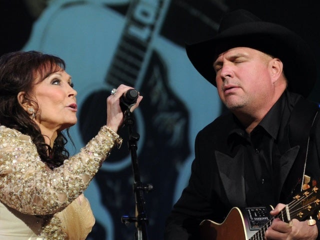 Loretta Lynn Says Garth Brooks Is 'Wrong' to Remove Himself From EOTY Consideration