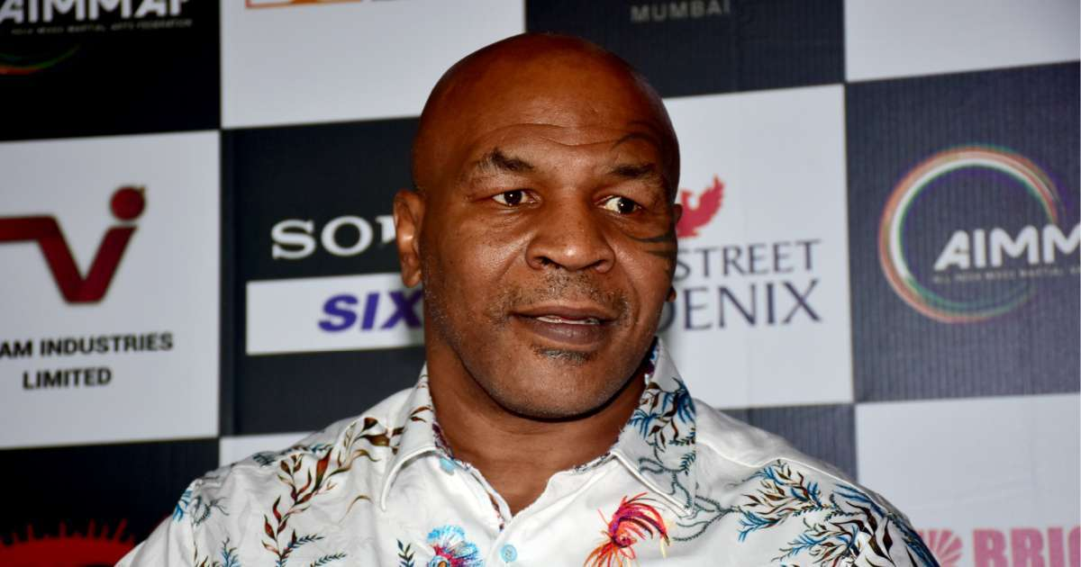 Mike Tyson fight Roy Jones Jr delayed